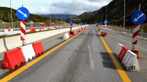 Preposti posa segnaletica stradale in presenza di traffico veicolare @ Espe Como - ATTIVITA' SOSPESA COME DA ORDINANZA DPCM | Como | Lombardia | Italia